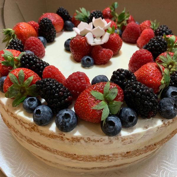 Gâteau de fête d'anniversaire naked cake